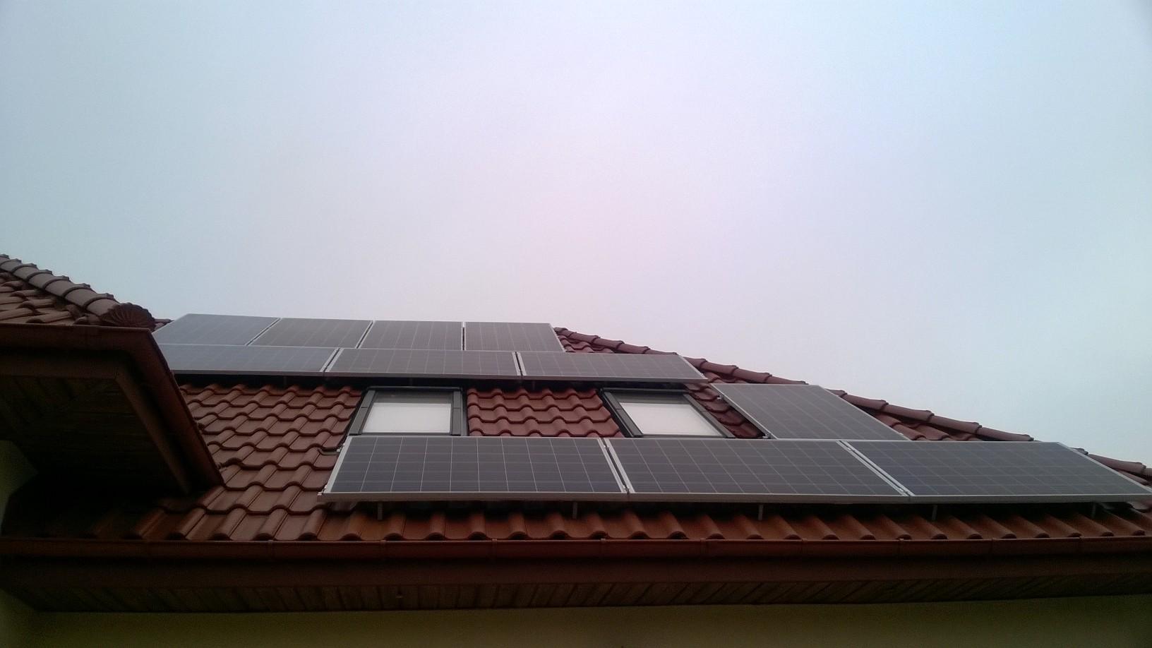 Instalacja fotowoltaiczna na budynku domu jednorodzinnego w wykonaniu APP Energy