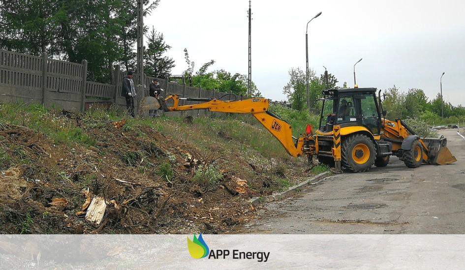 prace przy renowacji ogrodzenia instalacji fotowoltaicznych w Kraśniku