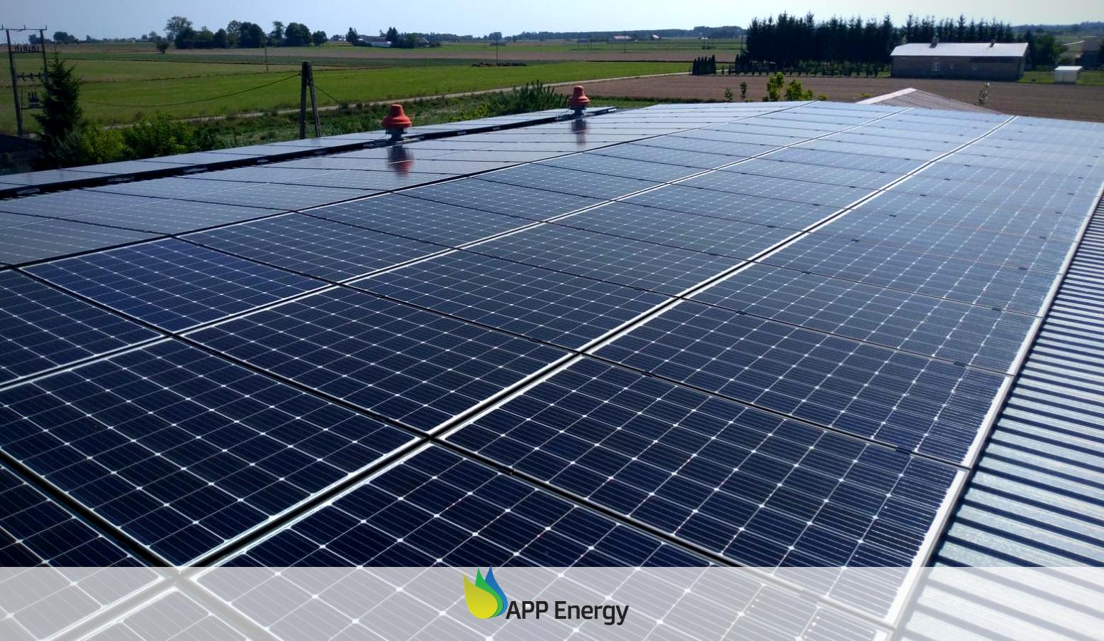 App energy instalacja fotowoltaiczna zamontowana na dachu budynku gospodarczego w województwie lubelskim